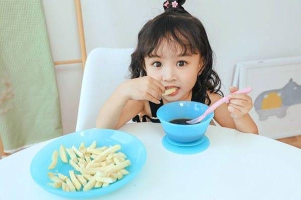 Silicone tableware for children
