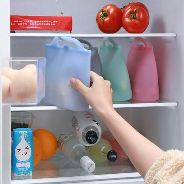 silicone reusable bags can be stored in the refrigerator